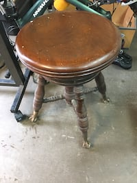 brown wooden round side table Parkville, 21234