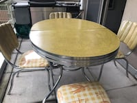 Table and chairs, vintage, '50 New York, 10027
