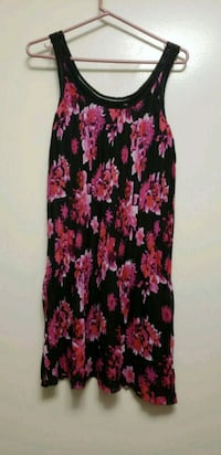 women's black and red floral sleeveless dress Toronto, M9M 2X2