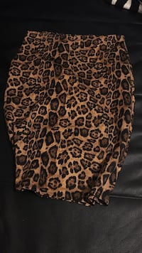 Leopard print pencil skirt  Burnaby, V5E 1J8