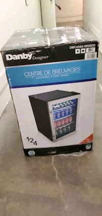 Danby designer mini fridge  Toronto, M8Z 1L8