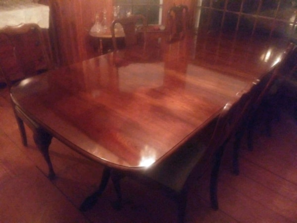 Stickley solid cherry dining table and 6 Stickley