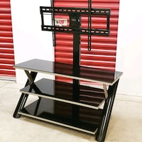 TV Stand w wall mount