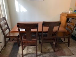 Pier one dining room set
