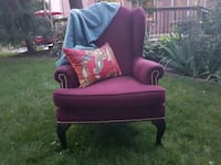 Beautiful upholstered wing back chair Newmarket, L3X