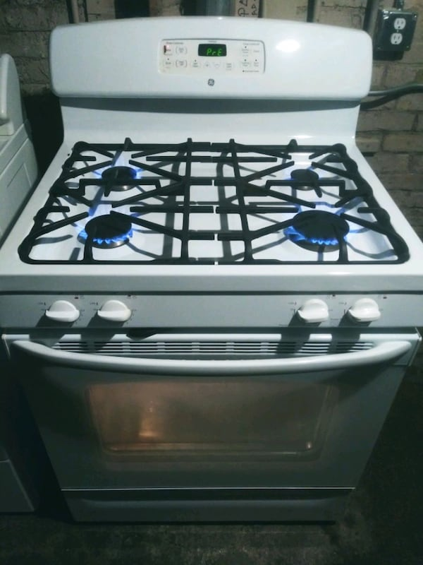 general electric gas stove 09b1f5b3-6aba-4247-a3d8-1ed05679237a
