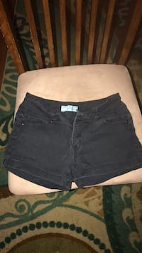 Shorts : Size  S Gibbstown, 08027