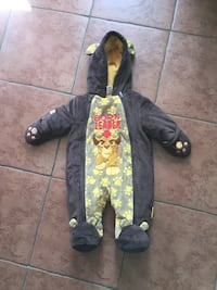 black and yellow Lion printed sleepsuit Gatineau, J8P 8C5