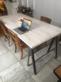 Beautiful table, 6x4. seats up to 8 people