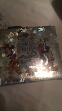 New Disney autograph and photo album brand new. Purchase before you get to Disney. I paid about $28 cdn, asking $18. Laval, H7Y 2C1