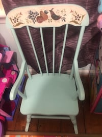 white and brown wooden windsor chair Woodbridge, 22193