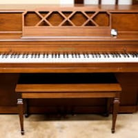 Piano needs to go CENTREVILLE