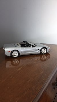 Chevrolet Corvette convertible 1/18 diecast model  Toronto, M3J 1Y4