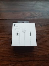 $15 Apple Earpods - Brand new, in-box Waterloo