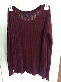 American Eagle Maroon Sweater, has zippers on sides