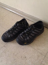 Pair of black nike low-top sneakers size 8 Winnipeg, R2K 4A1