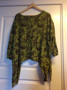 green brown floral scoop neck blouse