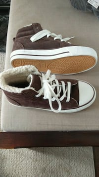 Boys Old Navy Shoes Size 2 Calgary, T3K 0C1