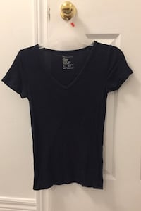 Gap Navy Blue V-Neck T-Shirt Mississauga, L5M 7N3