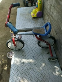 red and blue Radio Flyer trike Bakersfield, 93307