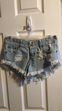 blue denim distressed short shorts Guelph, N1L 1T4