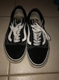 Old skool vans low / Size 10 Ajax, L1T 4H3