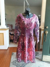 women's pink and white floral dress Fort Washington