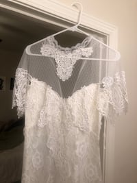 Beautiful, Lace/Floral Vintage Wedding Dress. Size 10. Never worn Augusta, 30901