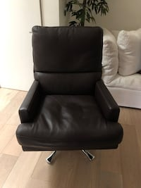 Brown Leather Chair 2279 mi