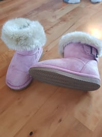 par rosa fur-lined buckled snow booties