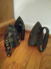 Three Antique Irons PURCELLVILLE