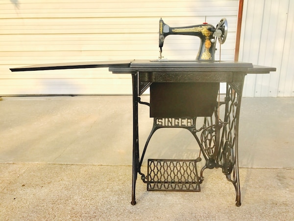 Used 40 SINGER SEWING MACHINE MODEL 40 PHOENIX TREADLE Amazing 1910 Singer Sewing Machine For Sale