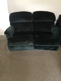 Love sofa and Reg size Sofa Baltimore, 21229