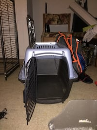 gray and black pet carrier Woodbridge, 22193
