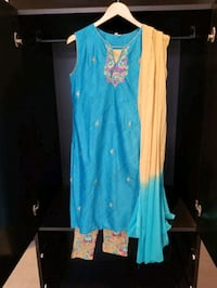 Blue and Beige Sleeveless Indian Outfit Vaughan, L4L 8Y6