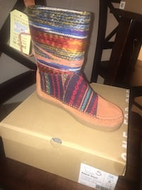 Tom's Women's Nepal Boot Cognac suede textile mix Size 6 brand new in box (original $120) Los Angeles, 90032