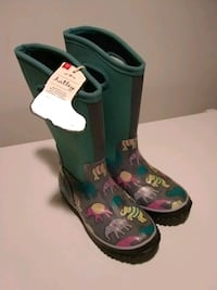 Hatley boots size 2 Toronto, M5P 3N3