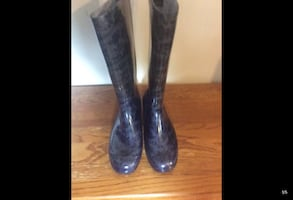 WOMENS RUBBER BOOTS...CHECK OUT MY PAGE FOR MORE ITEMS