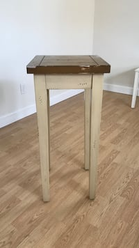 Vintage side table  Kenosha, 53140
