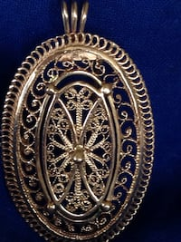 Gorgeous Vintage oval filigree 14k solid gold brooch pin /pendant weight: 9.72g