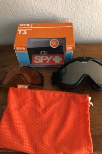Spy Goggles brand new in the box has two lenses