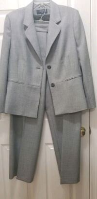 Business suit for women size 16 Leesburg, 20175