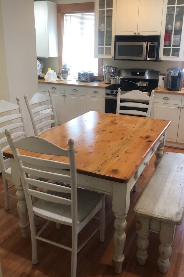 Farmhouse Kitchen Table Set (Seats 6)