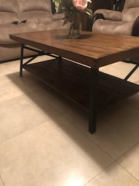 Farmhouse Coffee Table  Las Vegas, 89148