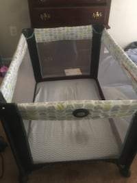 Play pin with bassinet