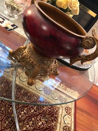 Fancy Red vase bowl  Mississauga, L5V 2Y8