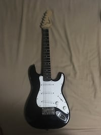Black and white stratocaster electric guitar Kelowna, V1P 1N8