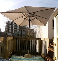 8' Patio Umbrella w/concrete base Ottawa, K2P 0G7