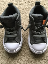 *Brand New - never worn Boys size 7 olive green  converse all star high-top sneakers Columbus, 43228