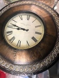 Living room items, clock and accessories items. Suitland, 20746